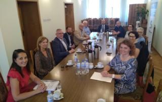 Na zdjęciu osoby biorące udział w spotkaniu Wojewódzkiej Społecznej Rady ds. Osób Niepełnosprawnych w Rydzynie